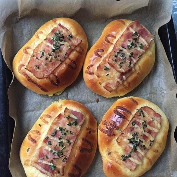 葱香培根面包