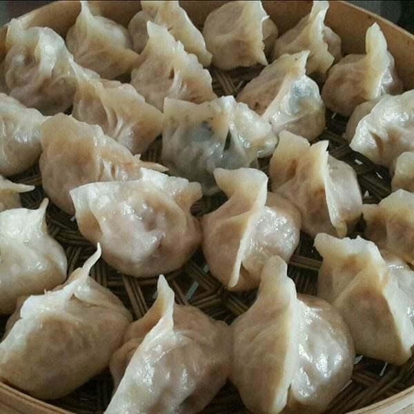 荠菜猪肉饺子蒸饺