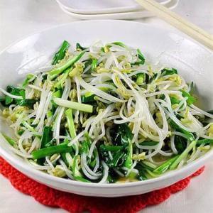 白蛤蜊炒韭菜