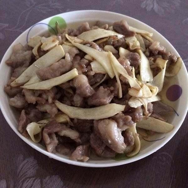 蒜苔竹笋炒肉丝
