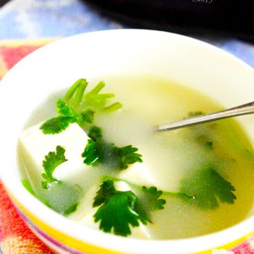 自制香菜豆腐鱼汤