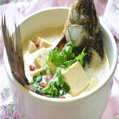 奶香鲫鱼豆腐汤