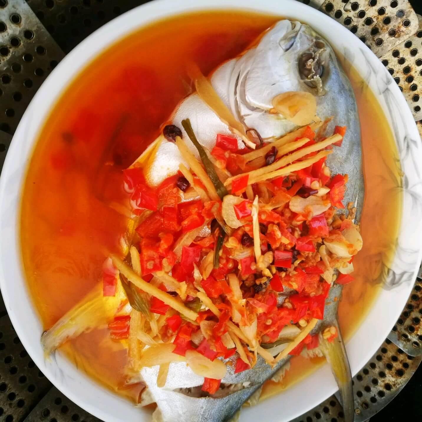 美味的剁椒海鱼