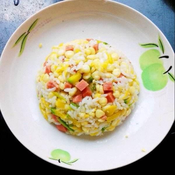 简单的玉米粒火腿肠炒饭