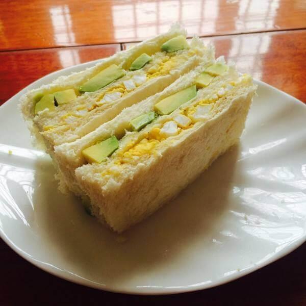 牛油果小牛三明治