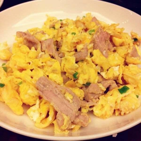 青椒肉片炒蛋