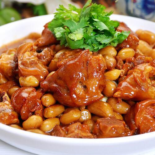 猪蹄炖大豆