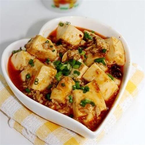 酱香肉末豆腐羹
