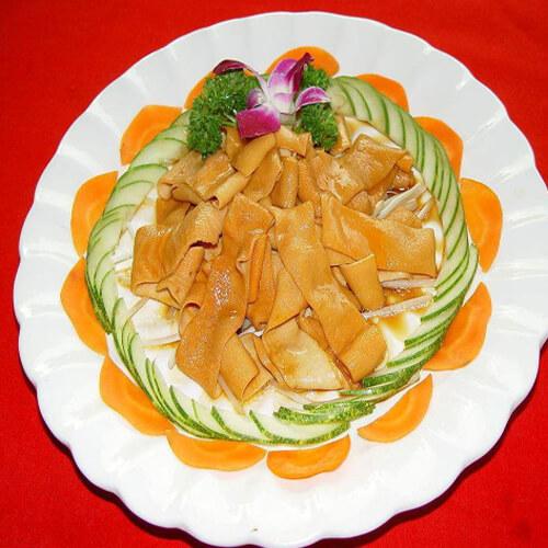 卤鹅肠汤米粉