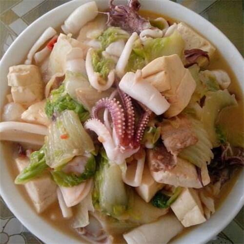 鱿鱼炖豆腐