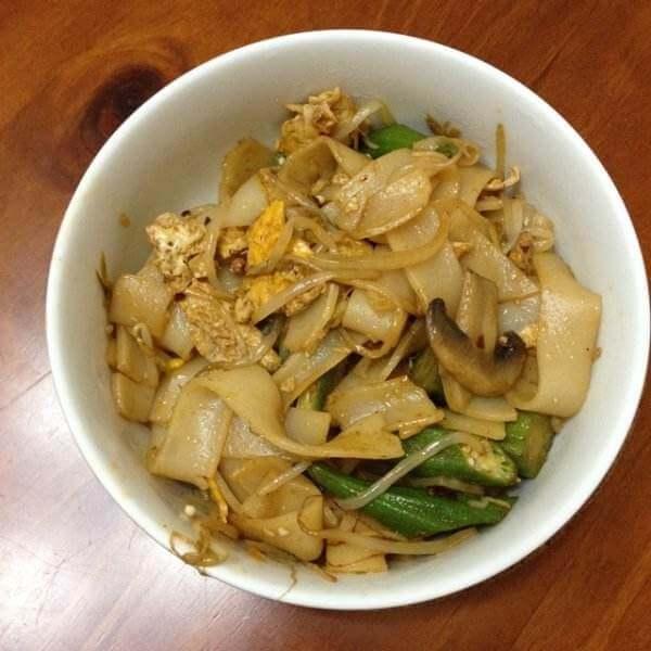 常吃不腻的豆芽炒河粉