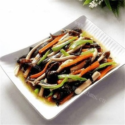 茶树菇炒萝卜