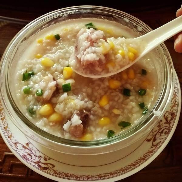香菇青菜火腿肠玉米粥