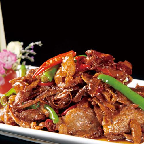 芹菜茭白胡萝卜炒肉