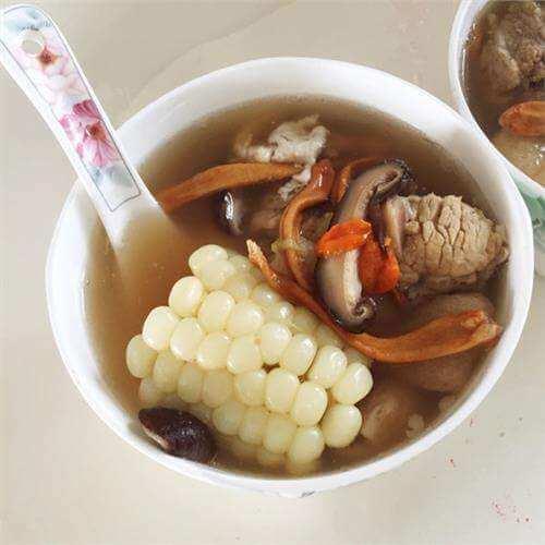 海参香菇炖乌鸡