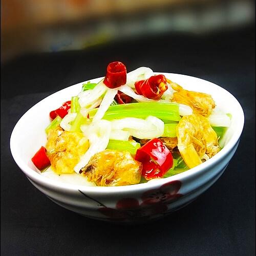 白菜条炒芹菜