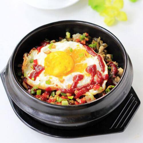 健康美食之雪里蕻肉末石锅拌饭