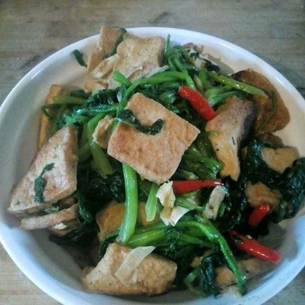 菠菜烩豆腐