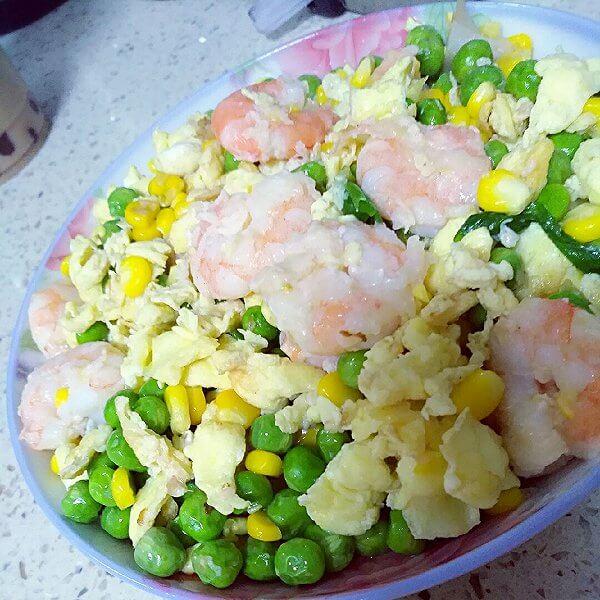 鸡蛋烩豌豆玉米下饭菜