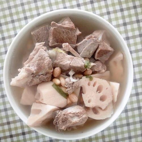 清香雪梨莲藕汤