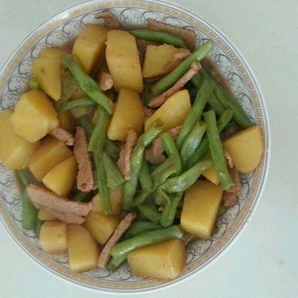 【首发】干豆角丝炖土豆条
