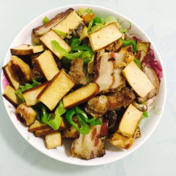 腊肉剁椒蒸卤豆干