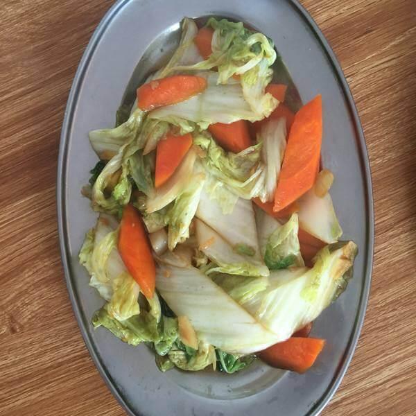 红萝卜炒大白菜