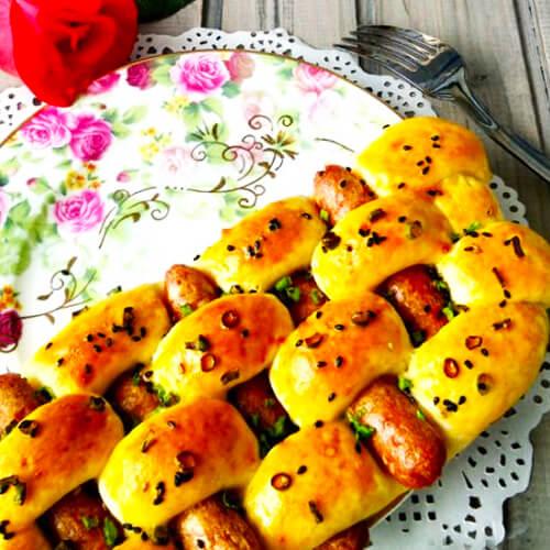 葱香烤肠卷