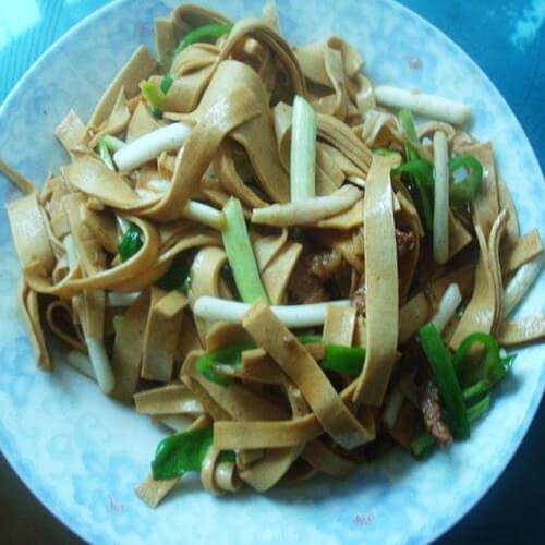 自制蒜苗豆腐皮
