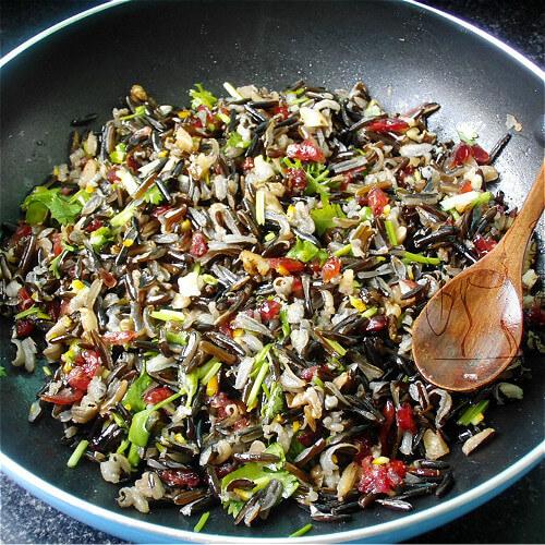彩蔬菰米饭