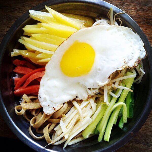 欧巴们最爱吃的韩国拌饭的做法
