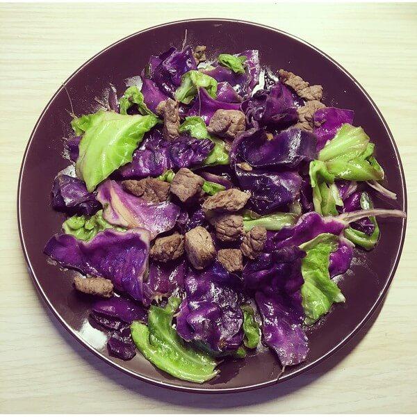 紫椰菜炒包菜