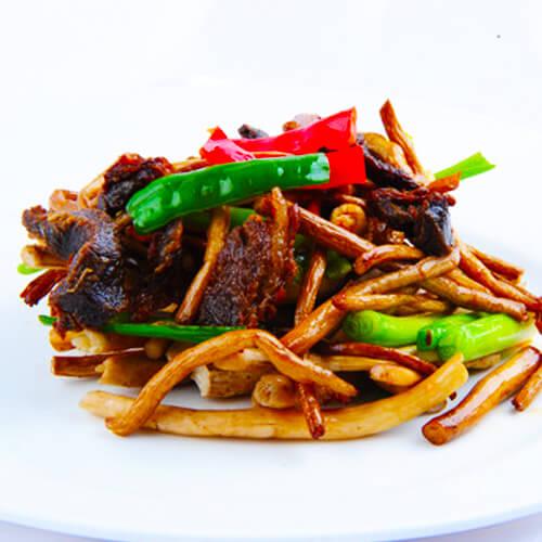 白菜鲜蘑炒肉
