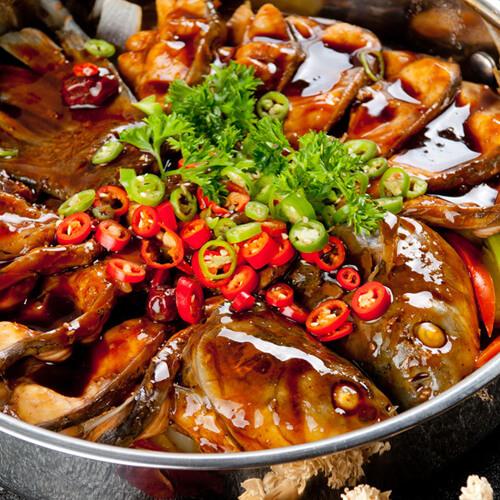 三汁草鱼焖锅