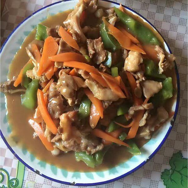 酱汁洋葱萝卜丝炒小肠