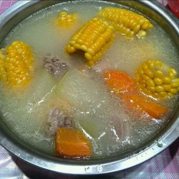 萝卜口蘑骨头汤