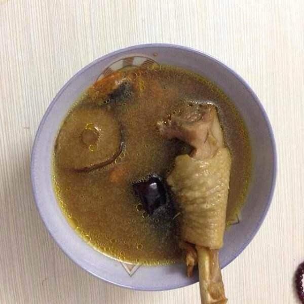 红枣海参鸡腿汤