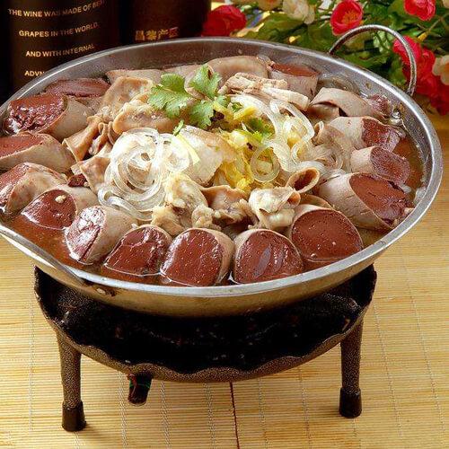 诱人的东北五花肉炖酸菜