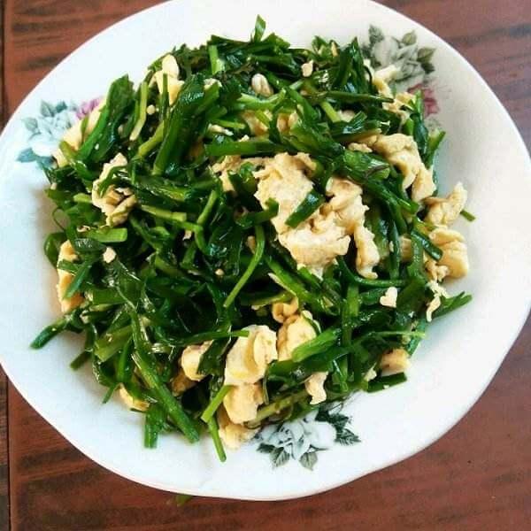韭菜芽炒双蛋