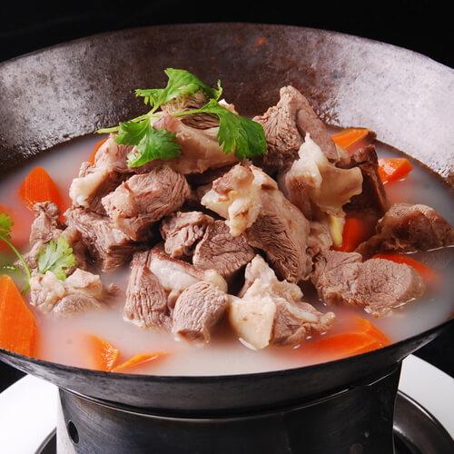 米白酒炖山羊肉