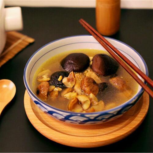 家常香菇炖鸡的做法
