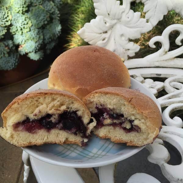 酸奶蓝莓果酱小餐包