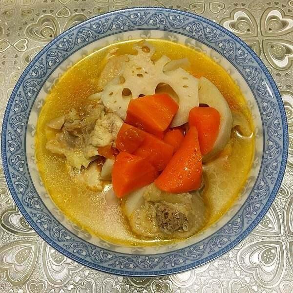 莲藕玉米鸡汤