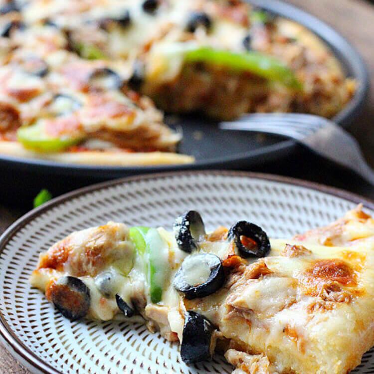 好吃的香辣金枪鱼披萨