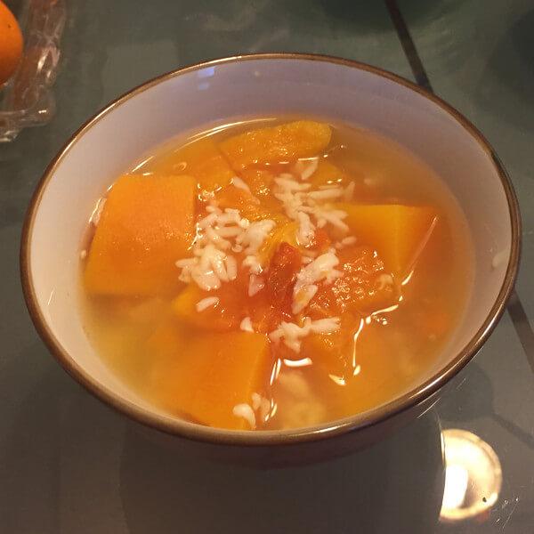 美味的红酒木瓜汤