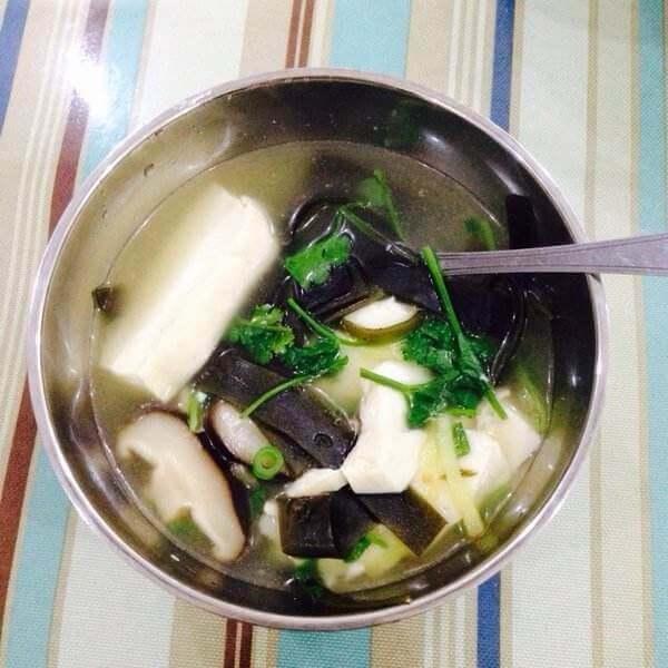 海带豆腐杂烩汤
