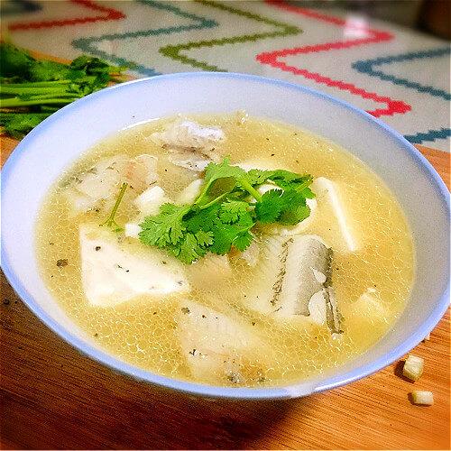 丑鱼豆腐汤