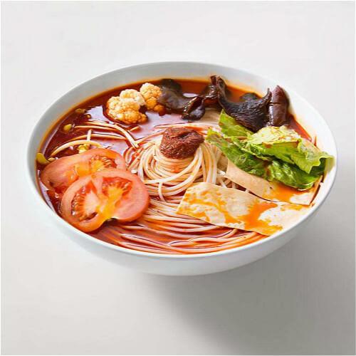 鸡汤蔬菜辣米线