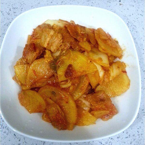 五花肉酸菜土豆丝(家庭版)
