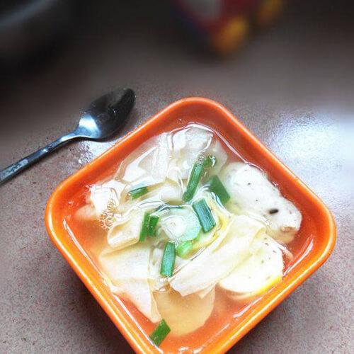 蛋卷腐竹汤